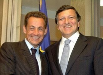 Nicolas Sarkozy lance le mini-traité … et séduit.