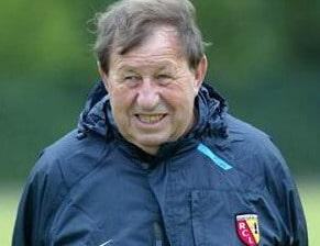 Guy Roux trop vieux pour entraîner ?
