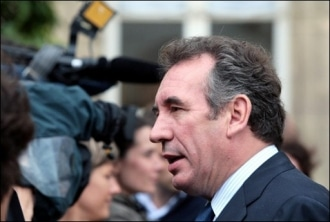 Pour François Bayrou, Sarkozy est un… piranha !