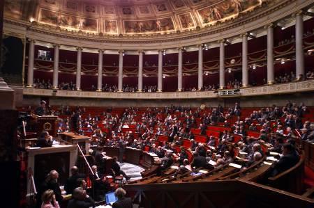 La loi sur le service minimum en débat à l'assemblée