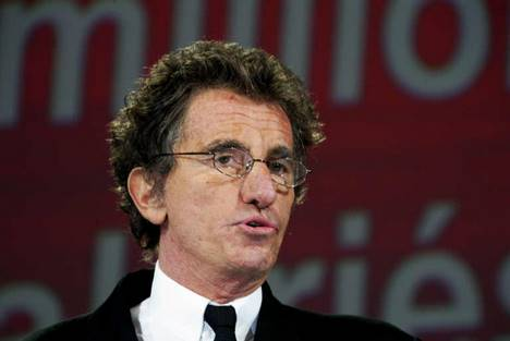 Nicolas Sarkozy se désolidarise de l'UMP !!