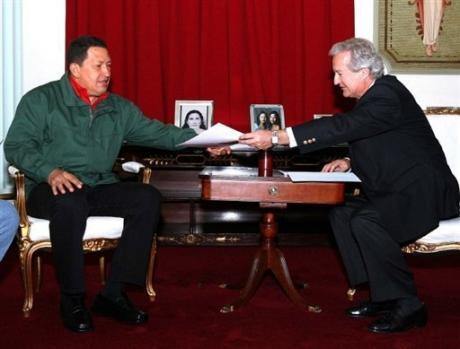 Alvaro Uribe …humanitaire n'est pas dans son vocabulaire !!