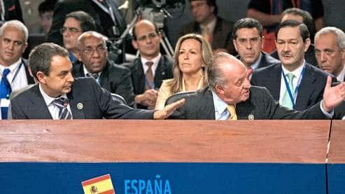 Juan Carlos fait taire Hugo Chavez !