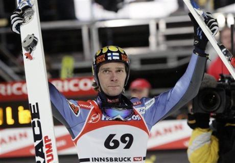 Saut à skis : Janne Ahonen entre dans la légende