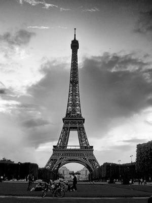 Carla Bruni : la Tour Eiffel au Brésil