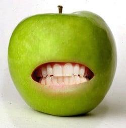 Les constructeurs téléphoniques veulent à tout prix croquer la Pomme !