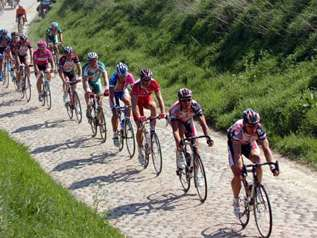 Paris-Roubaix,  via « VALENCIENNES-ARENBERG. »..