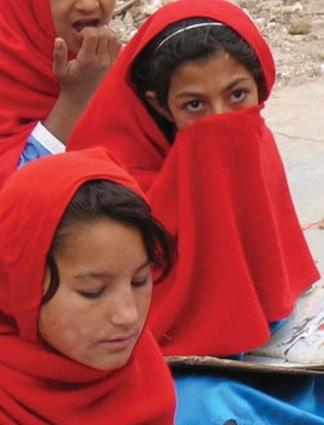 Afghanes: Après l'acide, le gaz