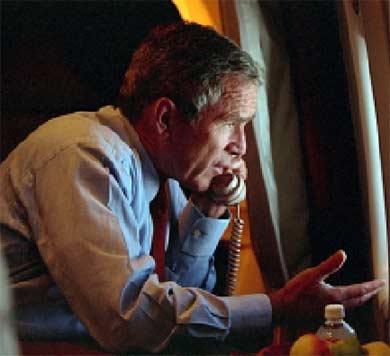 George W Bush reconnait la présence d'explosifs au World Trade Center