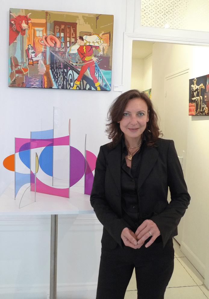 Isabelle Turover et son cervelas volant à la Dorothy's Gallery