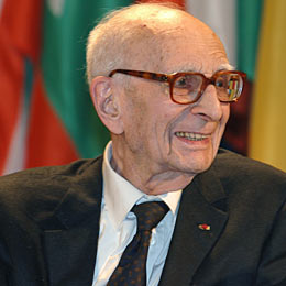 Lévi-Strauss : Le visionnaire de l'anthropologie est mort à l'âge de 100 ans