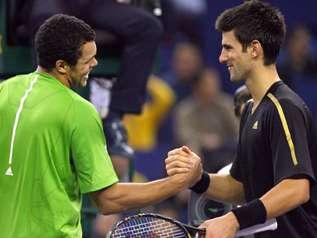 Tsonga s'offre Novak Djokovic et rejoint Roger Federer !