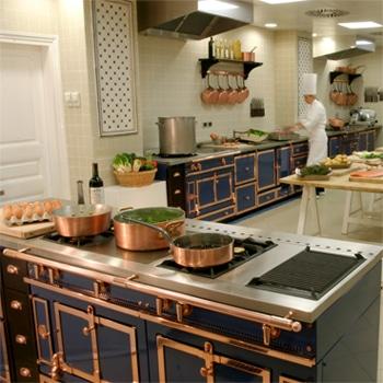 Participer à un cours de cuisine avec un grand chef .