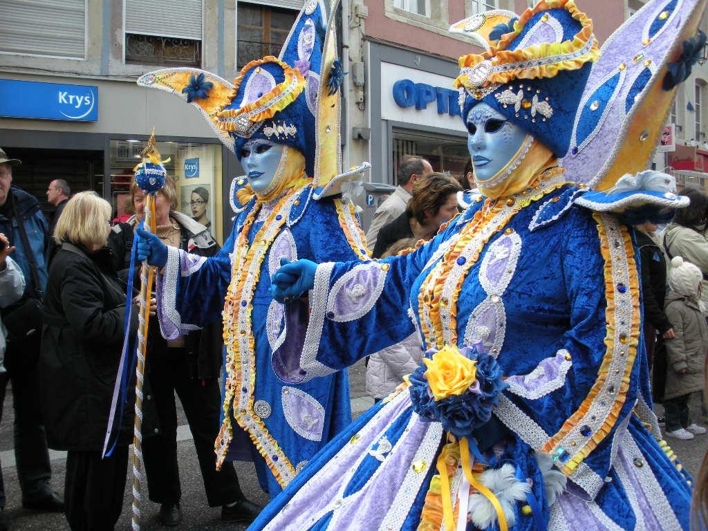 V comme Carnaval Vénitien à REMIREMONT dans les Vosges… plein les yeux !