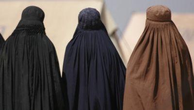 Le Voile de la Discorde, ou «Quand la Burqa fait la UNE de tous les Médias»