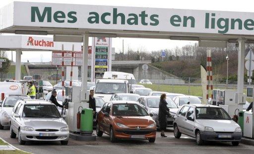 Auchan s'attaque aux concessionnaires automobiles.