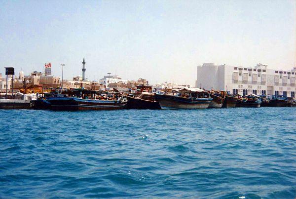 Le port des dhows, cœur de Dubaï.
