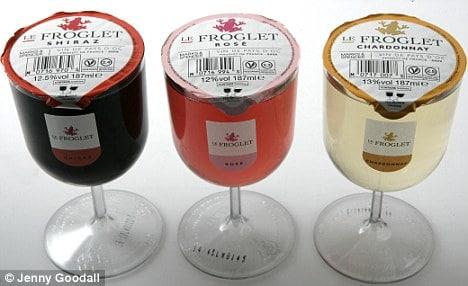 Le vin vendu au verre dans les rayons des magasins.
