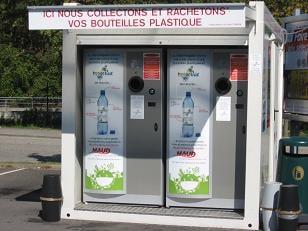 Quand super U se met au recyclage des bouteilles plastiques…