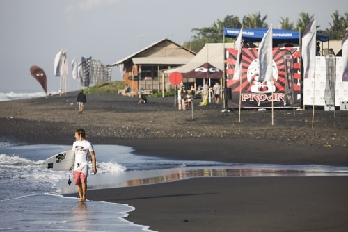 surf professionnel, témoignage d'un quotidien pas si rose.