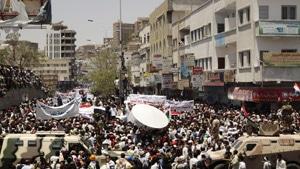 Syrie: les femmes, les enfants et les étudiants élargissent le rang des manifestants.
