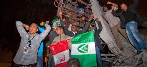 LIBYE: L'OTAN augmente la pression sur Kadhafi