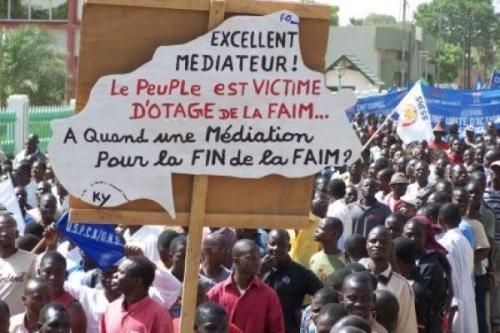 Burkina Faso : un autre dinosaure est entrain de tomber.