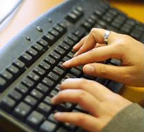 Les femmes accros au web !