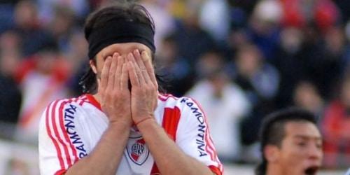 Football: River Plate, La chute d'un géant.