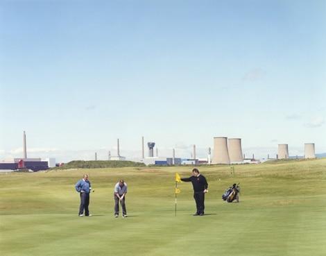 Partie de golf à l'ombre de la Centrale nucléaire…
