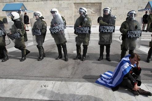 La Grèce dégraisse ses réseaux frauduleux