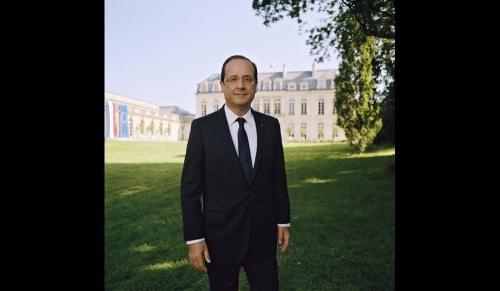 La photo officielle du Président de la République est parue.