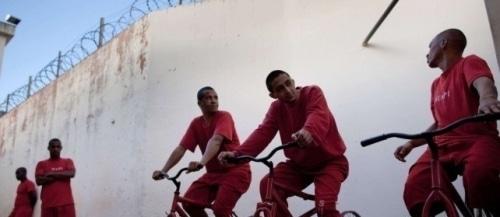 Les détenus brésiliens accrocs de la pédale !