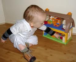 Les enfants chez les nounous n'ont pas le droit de jouer ni de rire !!