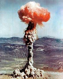 Une  nouvelle Bombe pour une guerre planétaire