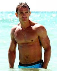 JAMES BOND : Daniel Craig est-il le meilleur interprète ?