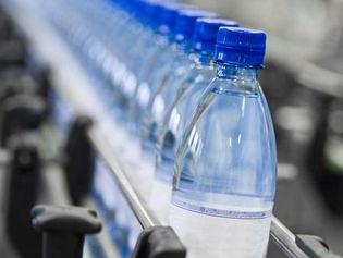 Peut-on encore boire de l'eau  sans risque ?
