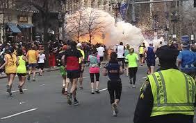 Deux bombes explosent à Boston : quelle tragédie !