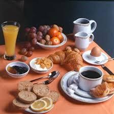 Les jeunes générations délaissent trop souvent le petit déjeuner.