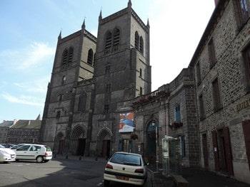 St Flour : découvrons la sous-préfecture du Cantal …