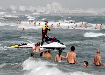 Des mesures drastiques pour enrayer la vague de noyades.