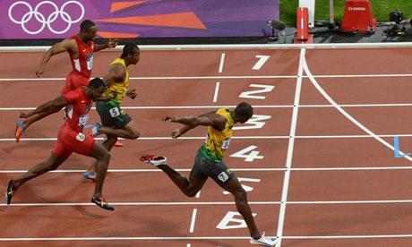 Dis maman, pourquoi les noirs courent-ils plus vite que les blancs!!
