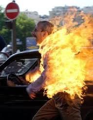 L'immolation par le feu : un appel au secours ?