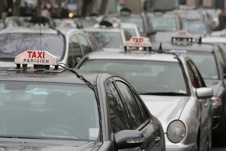 Les taxis en colère contre une nouvelle forme de concurrence