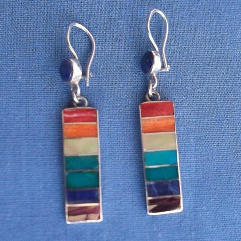 Des boucles pendantes originales: l'artisanat du Pérou