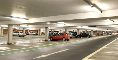 Moins dépenser pour un parking à l'aéroport Roissy Charles-de-Gaulle, les astuces !