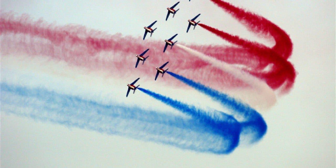 Des uniformes français s'envoient en l'air !