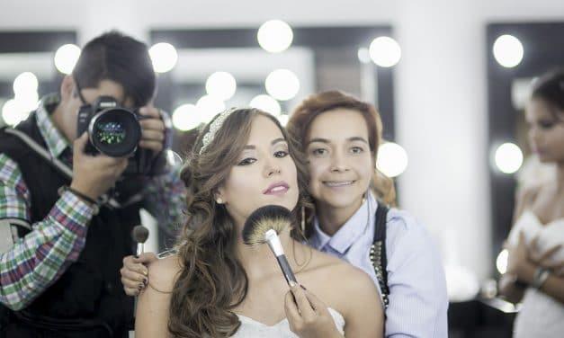 Maquillage à domicile : quels sont les avantages ?