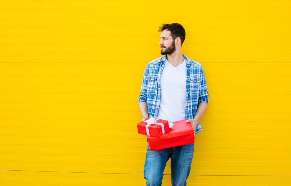 Comment trouver une idée de cadeau de Noël pour son copain?