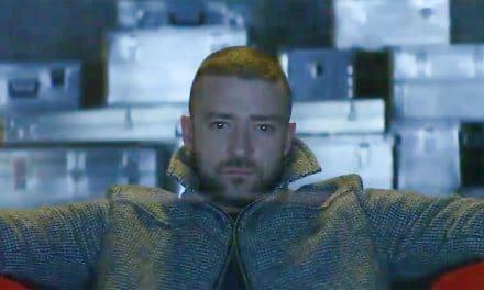 Justin Timberlake présente son nouveau clip » Supplies » .